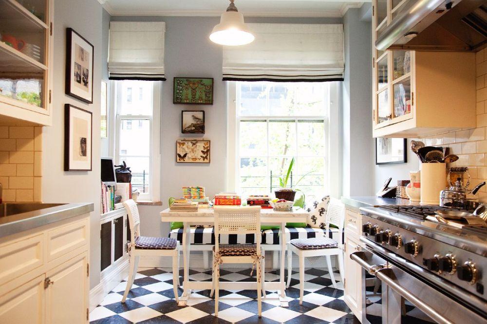 perfect black + white kitchen floor